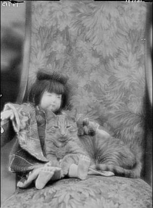 Buzzer the Cat with Doll 1912