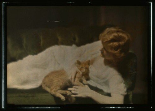 Miss Ann Murdock and Buzzer the Cat in color 1910