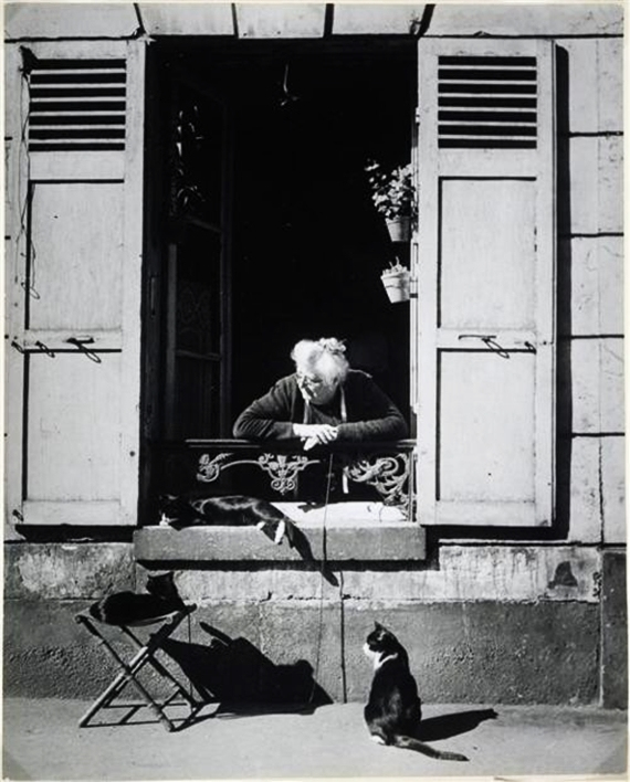 Concierge with Cats Paris 1946, cat photography