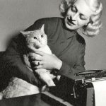 Liala, italian writer with cat