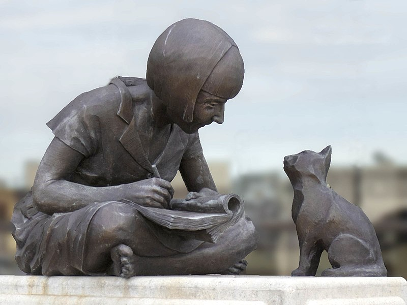 Gág statue, New Ulm, Minnesota